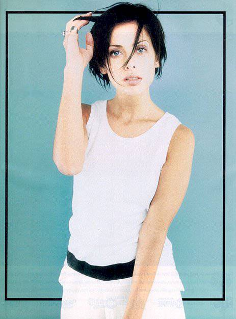 BabeStop - World's Largest Babe Site - natalie_imbruglia48.jpg